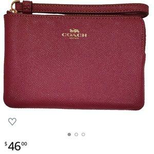 Crossgrain Leather Corner Zip Wristlet (Dark Berry